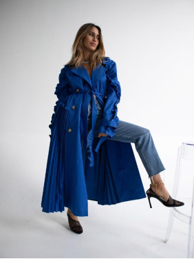 Blue trenchcoat with pleats and ruchings